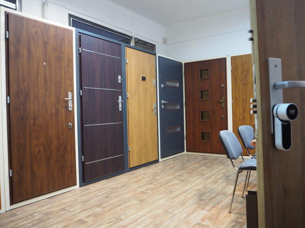 Ukázka bezpečnostních dveří a chytrých zámků v Pardubicích